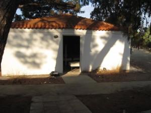 Eines der Häuser in Pikpa