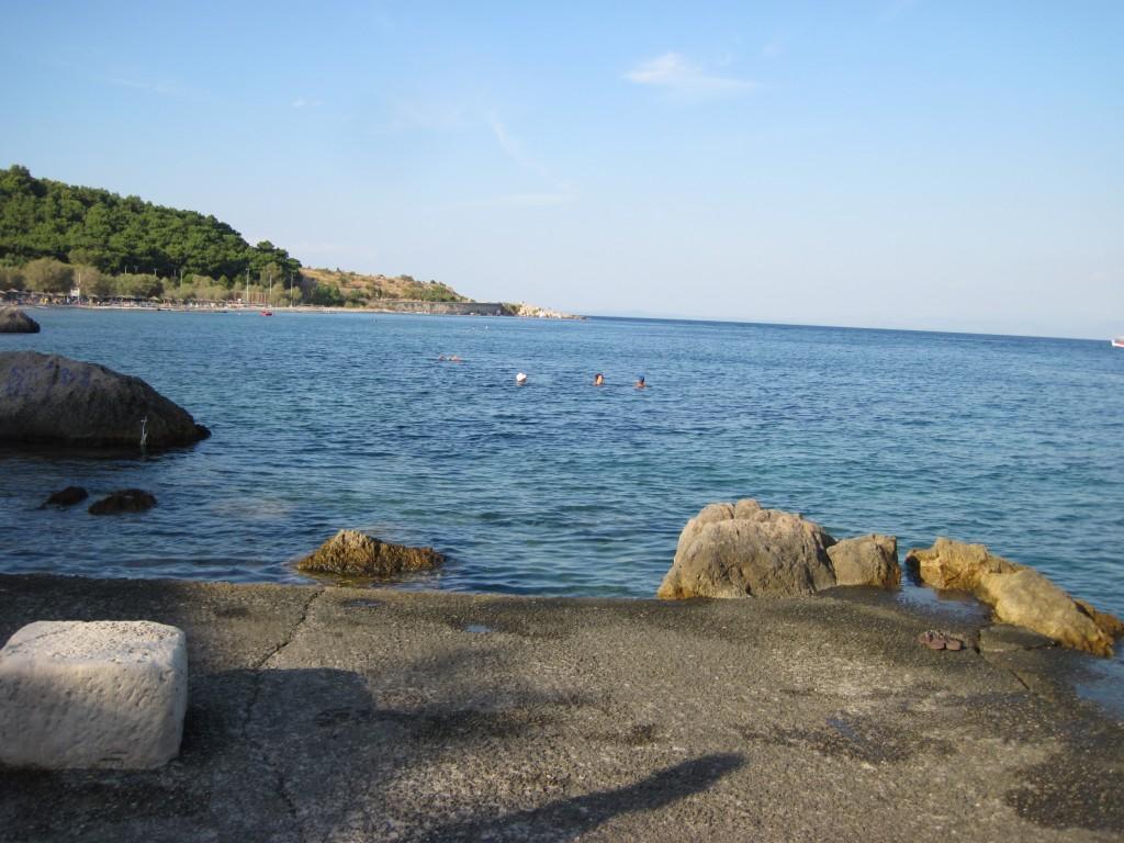 Besagter Strand ist im Hintergrund zu sehen